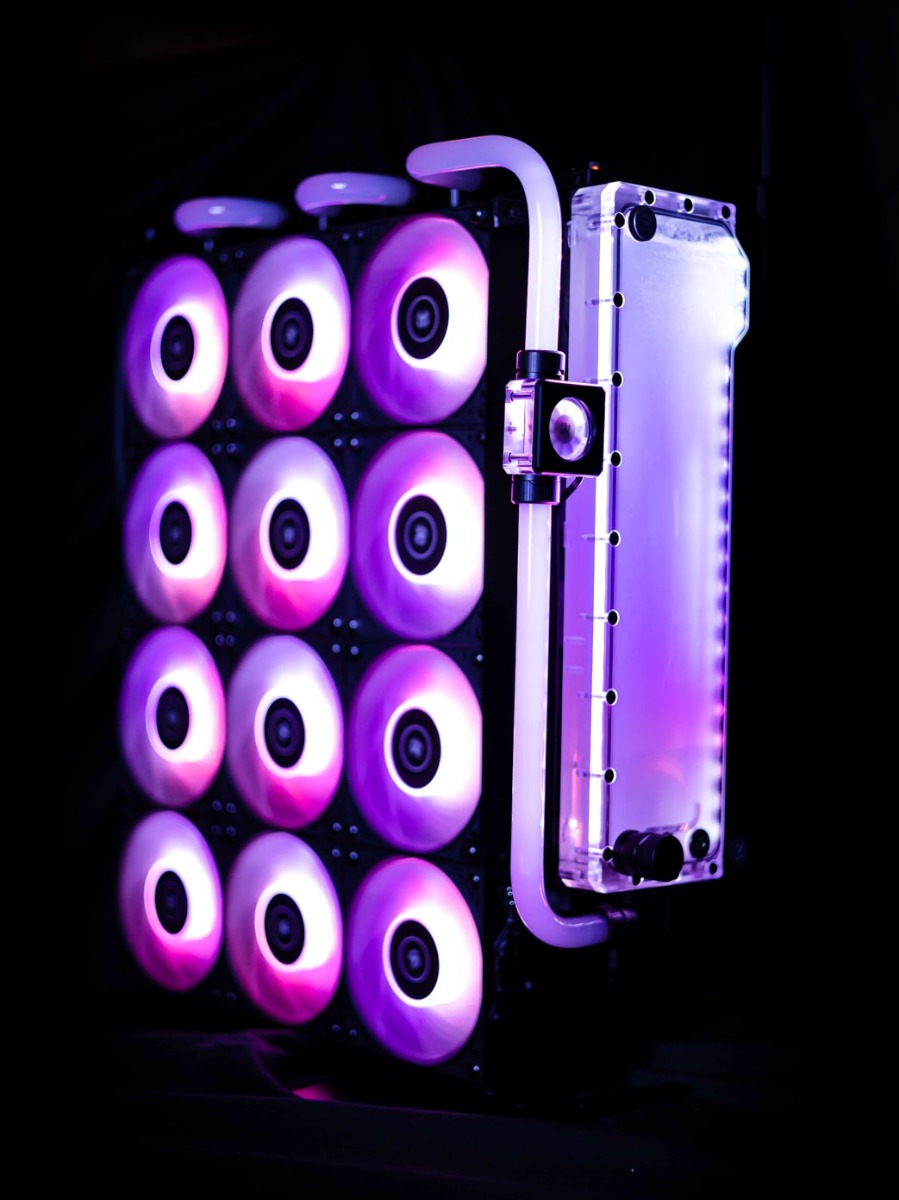 """""""Titan Rad"""" - Evolution's external radiator with its own reservoir and flow indicator."""